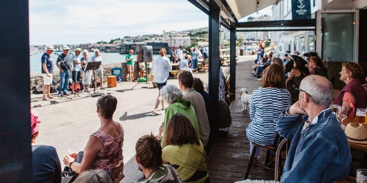 sea-shanty-festival-hosted-at-the-working-boat-pub