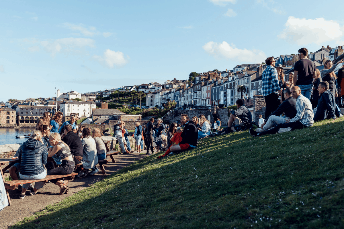 the-working-boat-pub-falmouth-sea-shanty-festival-2019-highlights-cornwall-35