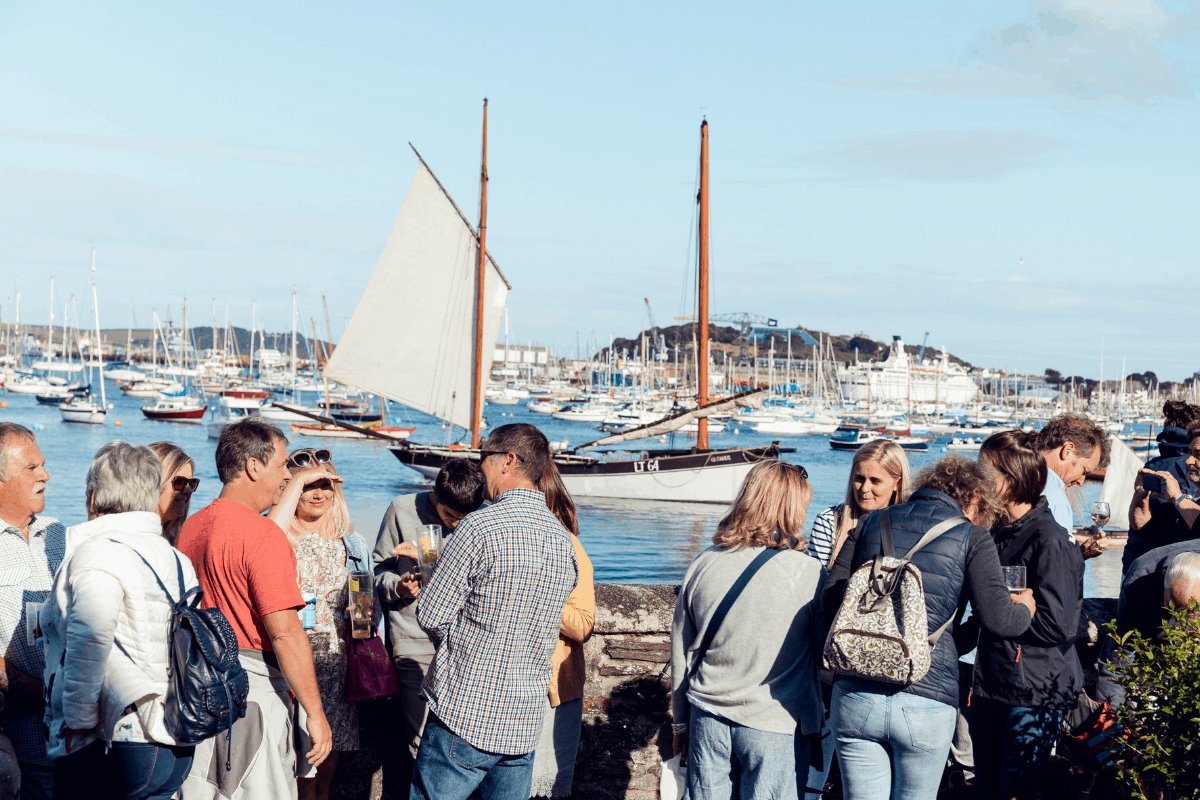 the-working-boat-pub-falmouth-sea-shanty-festival-2019-highlights-cornwall-36