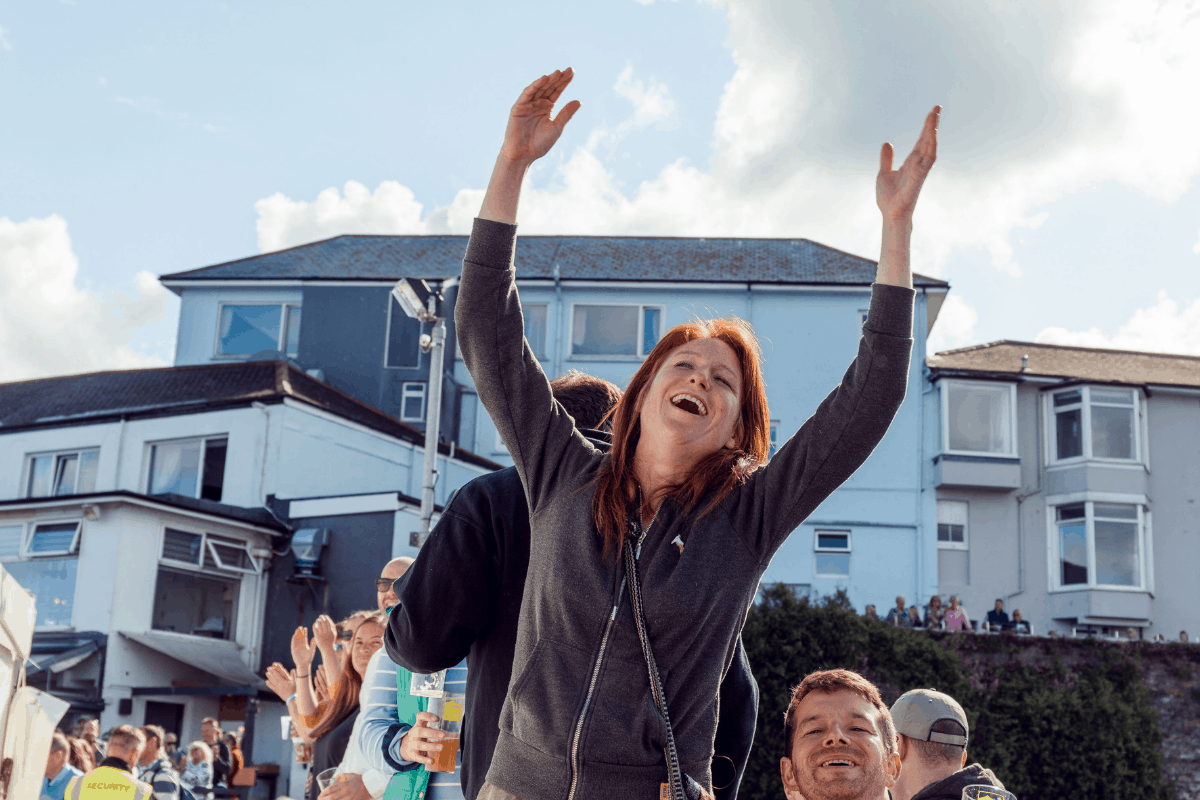 the-working-boat-pub-falmouth-sea-shanty-festival-2019-highlights-cornwall-39