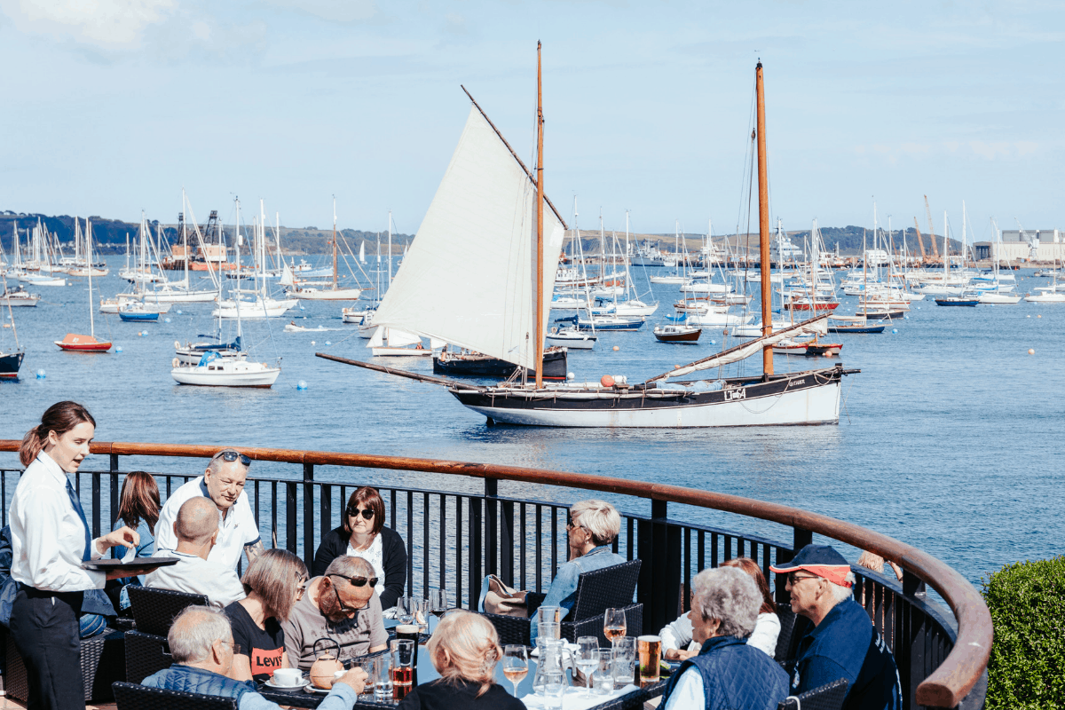 the-working-boat-pub-falmouth-sea-shanty-festival-2019-highlights-cornwall-8