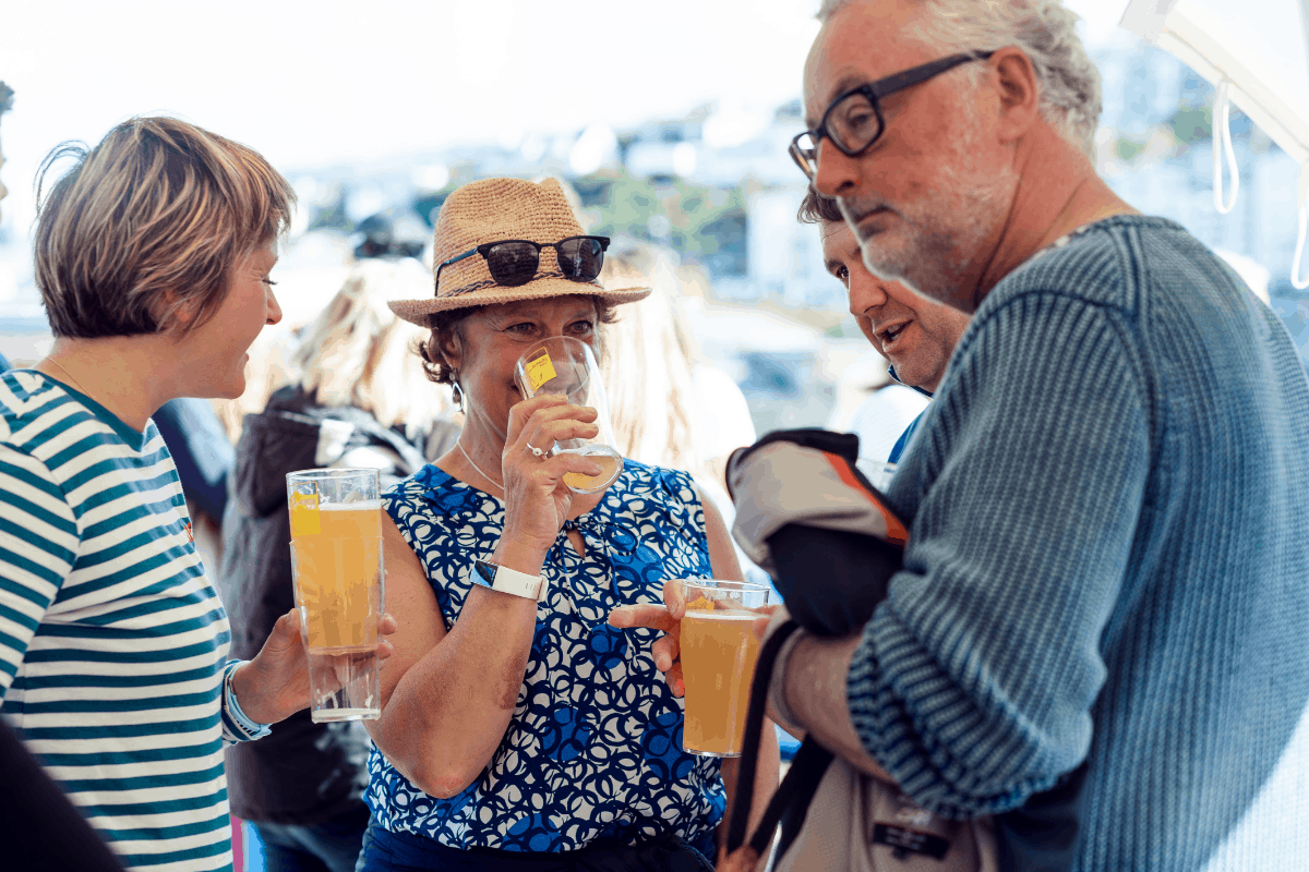 the-working-boat-pub-falmouth-sea-shanty-festival-2019-highlights-cornwall-16