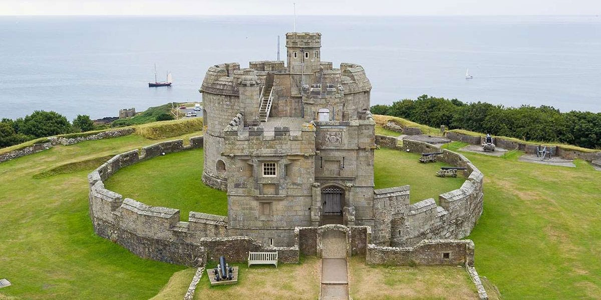 get-hands-on-with-history-pendennis-castle-falmouth-the-working-boat-pub