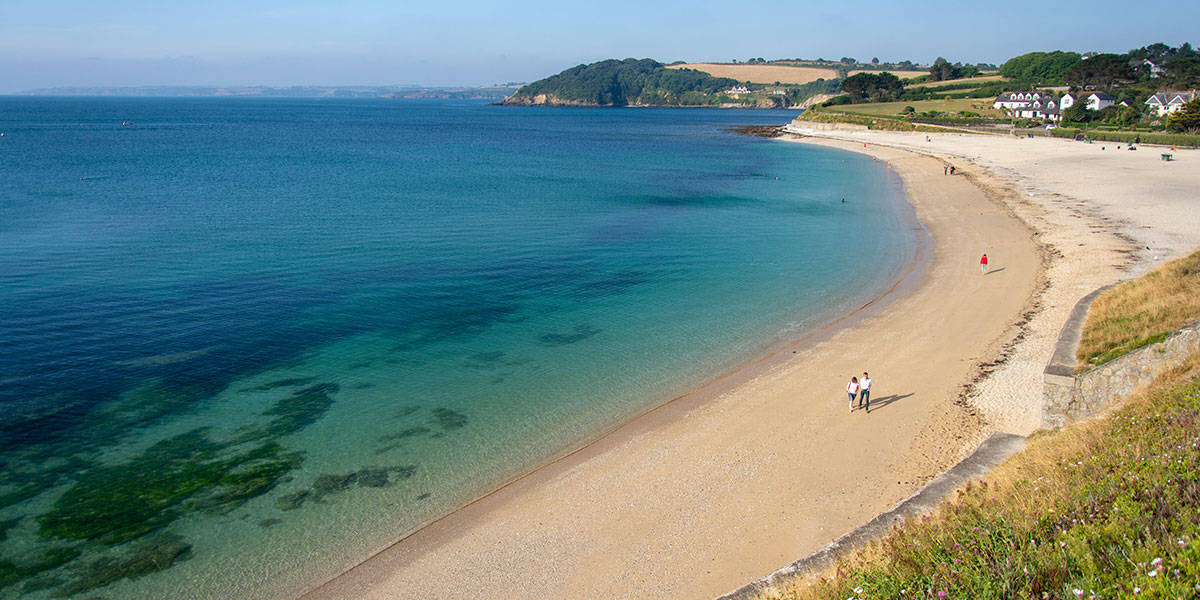 reasons-to-visit-falmouth-the-working-boat-pub-cornwall-beaches-in-falmouth-gyllyngvase