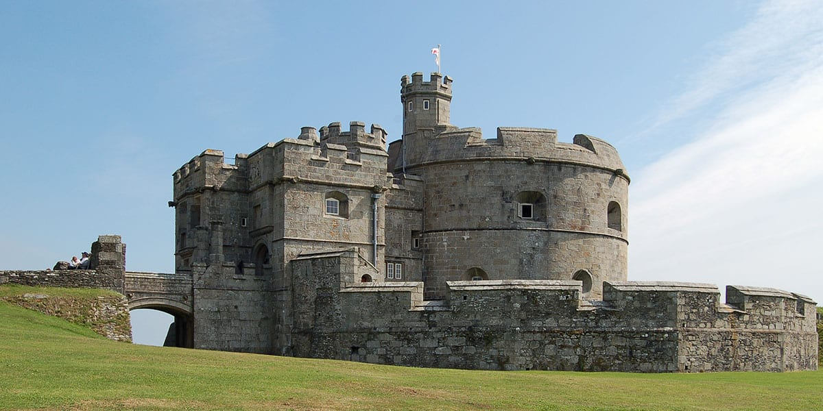 the-working-boat-pub-cornwall-history-cornish-heritage-pendennis-castle-castles-in-cornwall