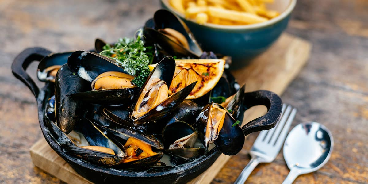 reasons-to-visit-falmouth-the-working-boat-pub-cornwall-places-to-eat-in-falmouth-restaurants-cornish-foodie-food