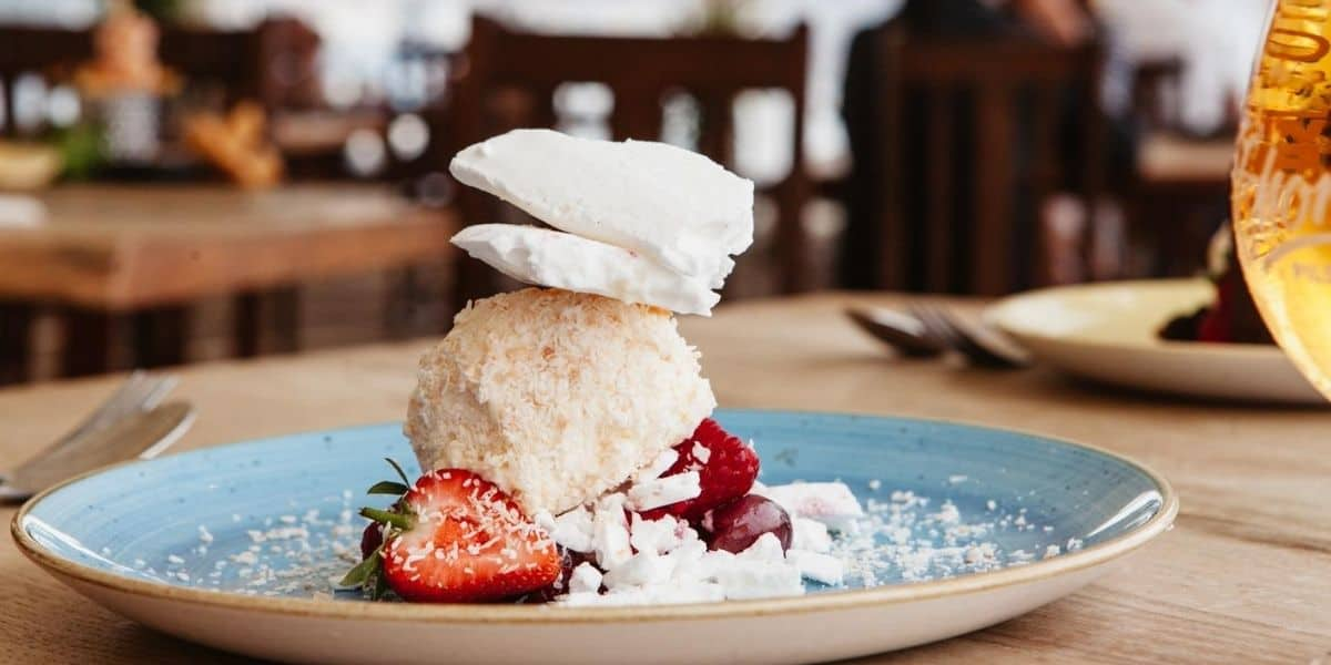 vegan-dessert-recipes-the-working-boat-pub-falmouth-cornwall-menus-meringue-sundae