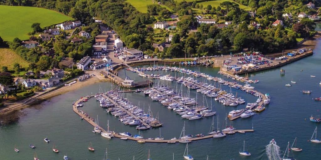 dog-walking-in-mylor-harbour-dog-walks-in-cornwall-the-working-baot-recommendations